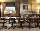 חדר ישיבות בסטודיו אלוף ביפו העתיקה
