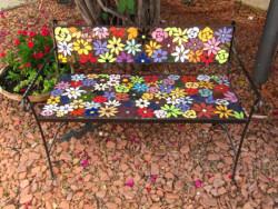 ספסל פסיפס פרחוני לגינה